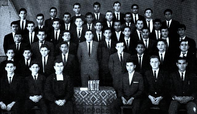 MIEMBROS DE LA ACADEMIA LITERARIA AZARIAS H. PALLLAIS 1964-1965