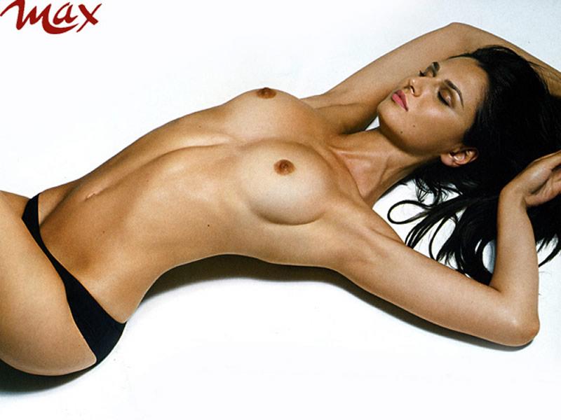 Very Inutil Pants: Anna Safroncik, Topless - Max 2009