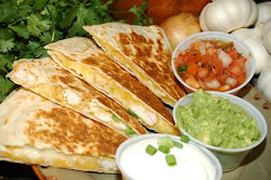 CHICKEN/MUSHROOM QUESIDILLAS WITH SOUR CREAM