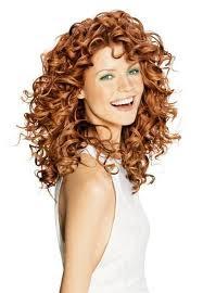Los 25 peinados para cabellos rizados que adoramos de Pinterest - Peinados Con Rulos Naturales