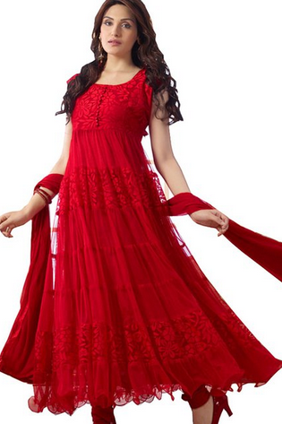 The Ageless Salwar Kameez. Salwar Kameez is one of the most widely used clothing and has won the hearts of ladies regardless of the age, shape, occasion, color, religion. Salwar or Shalwar Kameez as it is called in some parts of India and other countries have been widely used for many years.