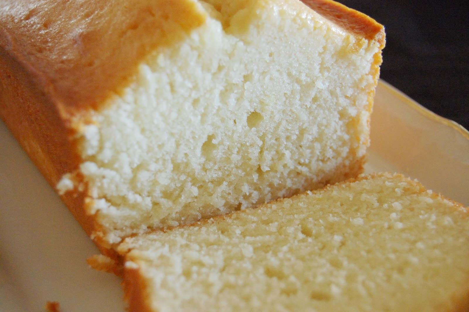 Life's a Piece of Cake: Lemon Pound Cake