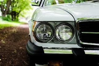 24 Mercedes-Benz 560SL R107 1988