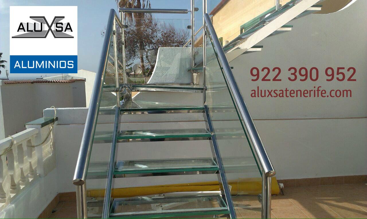 escalera de acero inoxidable y cristal en tenerife