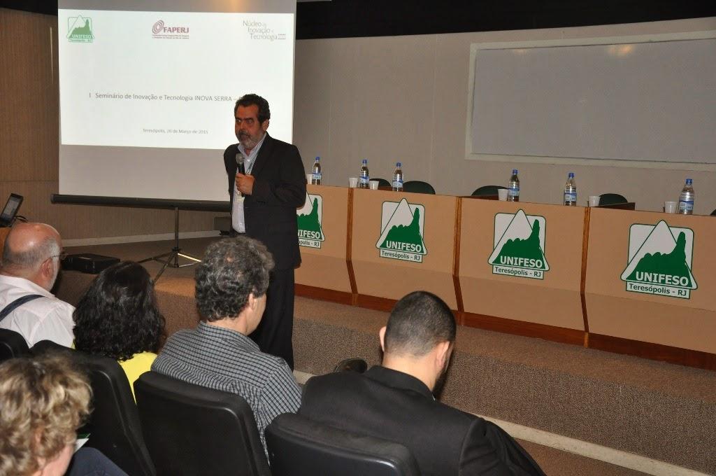 """Professor Armenio Evangelista, coordenador do NIT falou sobre """"Desenvolvimento e tranferência de tecnologia e inovação e desenvolvimento regional – contruindo parcerias"""""""