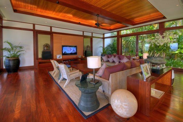 Main living room designed in Thai style