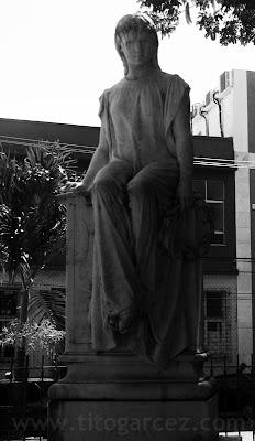 Estátua da poetisa Sapho, em Ilhéus - Bahia