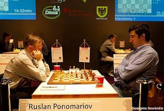 Echecs à Dortmund : Ruslan Ponomariov (2743) 1/2 Vladimir Kramnik (2785) © Photo Georgios Souleidis