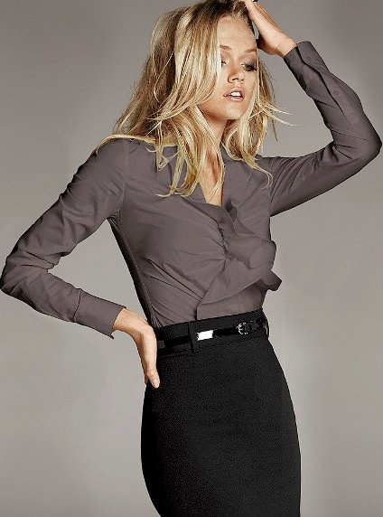 Outfit post grey camp shirt black pencil skirt black patent wedges | Outfit Posts