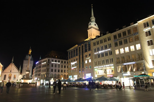 An Old Town Hall or Altes Rathaus (on the left) is situated in the popular shopping square of Marienplatz in Munich, Germany