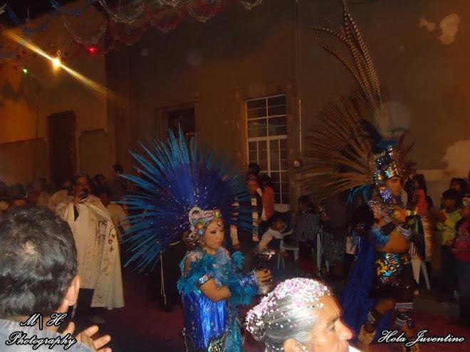 Aztecas incensando la llegada de la Virgen