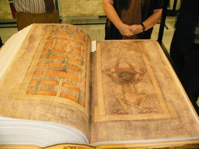 Curiosas antigüedades cargadas de historia.