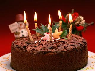 صور توتة عيد ميلاد بالشموع