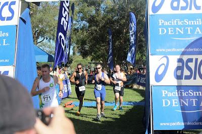 finish line running leg Queensland Triathlon Series Bribie Island Feb 2013 energia sports oscar mendez