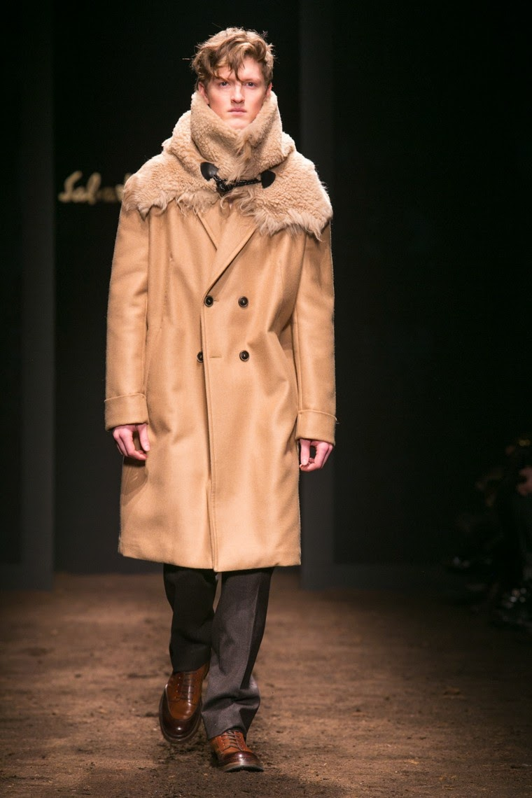 Salvatore Ferragamo AW15, Salvatore Ferragamo FW15, Salvatore Ferragamo Fall Winter 2015, Salvatore Ferragamo Autumn Winter 2015, Salvatore Ferragamo, du dessin aux podiums, dudessinauxpodiums, MFW, Pitti Uomo, mode homme, menswear, habits, prêt-à-porter, tendance fashion, blog mode homme, magazine mode homme, site mode homme, conseil mode homme, doudoune homme, veste homme, chemise homme, vintage look, dress to impress, dress for less, boho, unique vintage, alloy clothing, venus clothing, la moda, spring trends, tendance, tendance de mode, blog de mode, fashion blog,  blog mode, mode paris, paris mode, fashion news, designer, fashion designer, moda in pelle, ross dress for less, fashion magazines, fashion blogs, mode a toi, revista de moda, vintage, vintage definition, vintage retro, top fashion, suits online, blog de moda, blog moda, ropa, blogs de moda, fashion tops, vetement tendance, fashion week, Milan Fashion Week