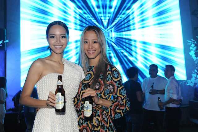 Coaster's lead actress Lynn Lim with Asia's Next Top Model Cycle 2 winner Sheena Liam at the movie premiere.