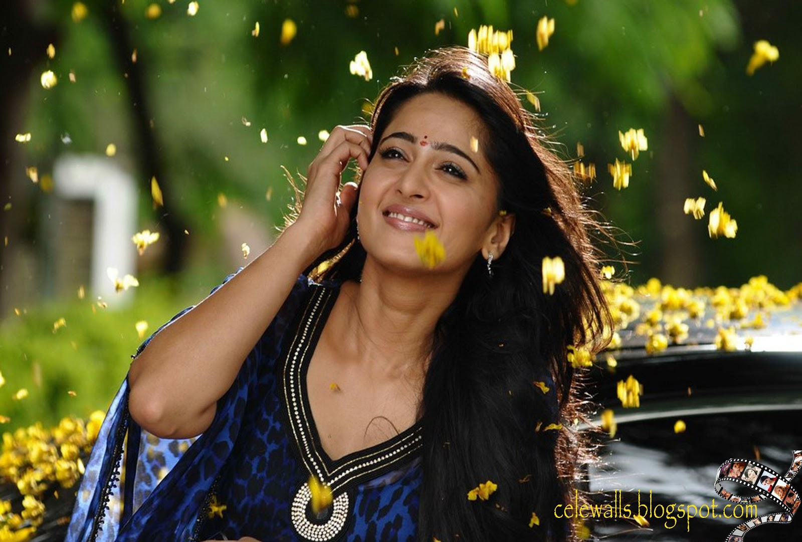 Angel Walls: South Hot Anushka Shetty Latest Movie Wallpapers