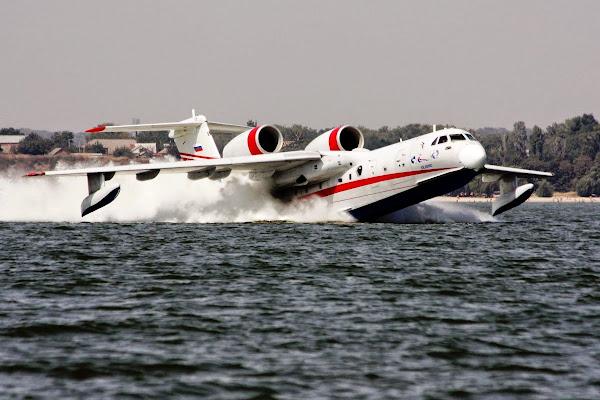 Beriev Be-200 Altair (Gambar 1). ZonaAero