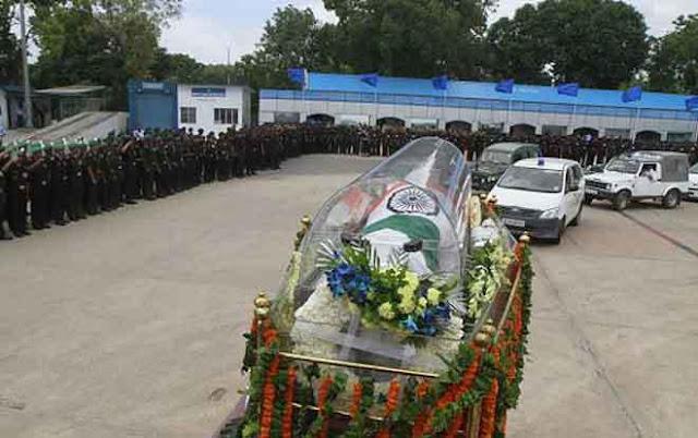 Former-President-APJ-Abdul-Kalam-laid-to-rest-in-Rameswaram-सुपुर्द-ए-खाक हुए पूर्व राष्ट्रपति एपीजे अब्दुल कलाम, पीएम मोदी ने दी अंतिम विदाई