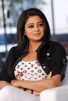 priyamani new cute stills
