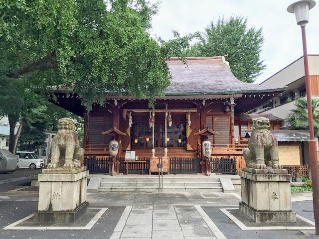鎧神社,拝殿,狛犬〈著作権フリー無料画像〉Free Stock Photos