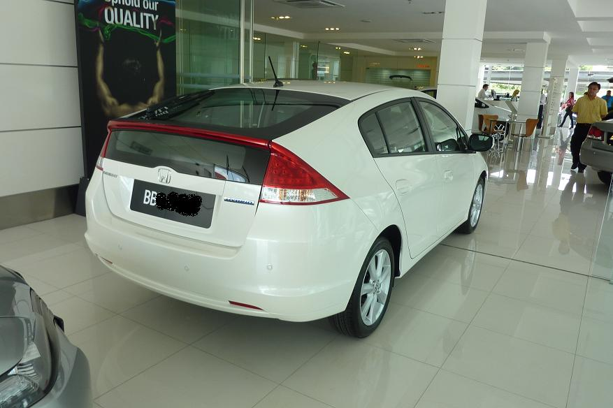 On 23 February 2011 (ie. Today), I Sent My Familyu0027s Honda Civic For  45,000km Service. While Waiting For My Car To Be Done, I Checked Out The  NEW Honda ...