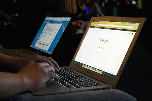 Pisanje bloga i tvitovanje uživo
