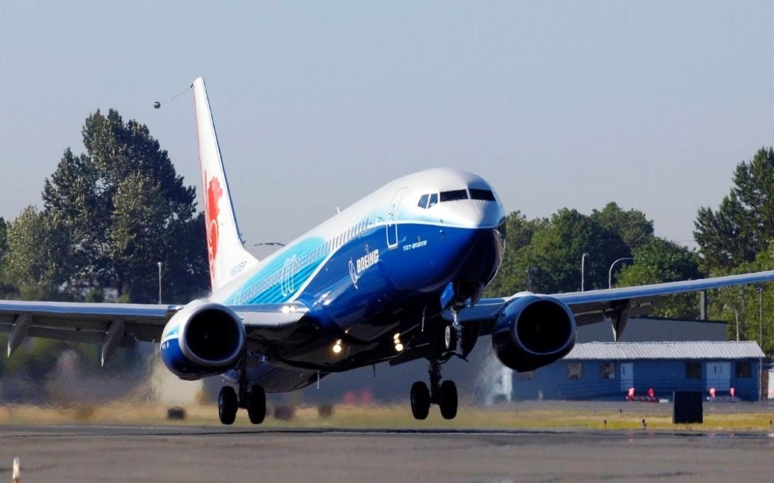 Boeing 737-900ER Aircraft Wallpaper 3