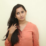 Ishika Singh New Photos 21