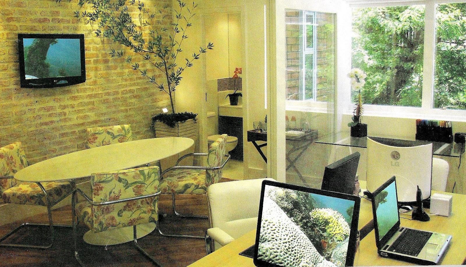 #9B8E30  que rege o guá) uma mesa de vidro e metal e plantas para reforçar 1600x917 px plantas para banheiro feng shui