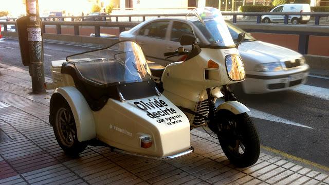 La moto de Jimmy con sidecar, 2013 Abbé Nozal