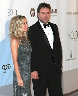 Russell Crowe and Danielle Peazer (Photo: Starpulse