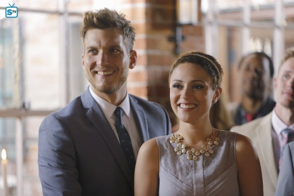 Chasing Life - A View from the Ledge - Advance Preview