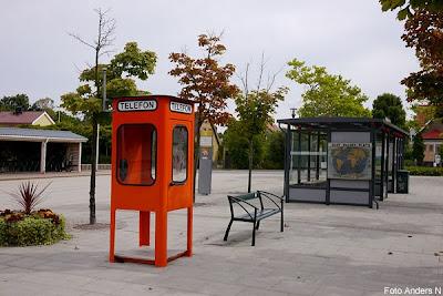 telefonkiosk, bussterminalen, busstationen, olof palmes plats, bromölla, swedish phone booth