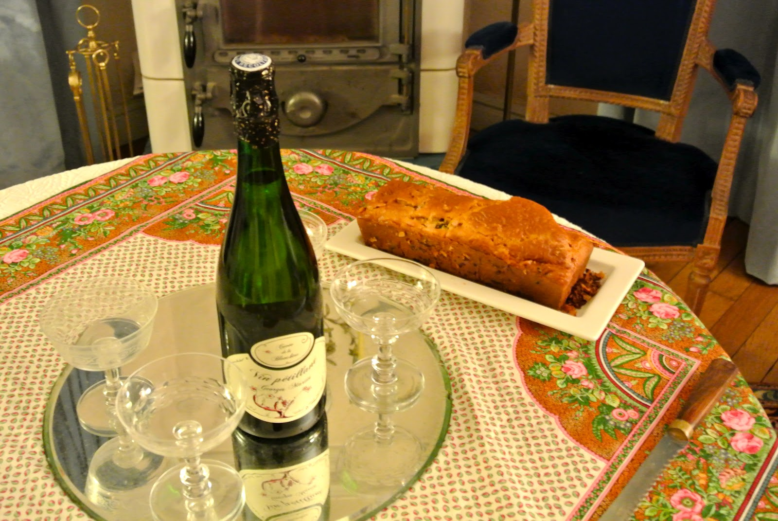 awesome apritif champagne a slice of the ham gruyere u olive cake savory with ikea melun. Black Bedroom Furniture Sets. Home Design Ideas