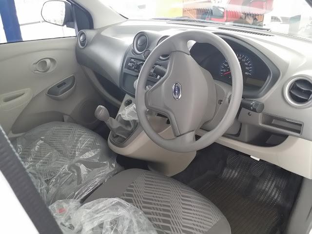 Tampilan Interior depan Datsun GO+ Panca Tipe T Option Airbag terbaru