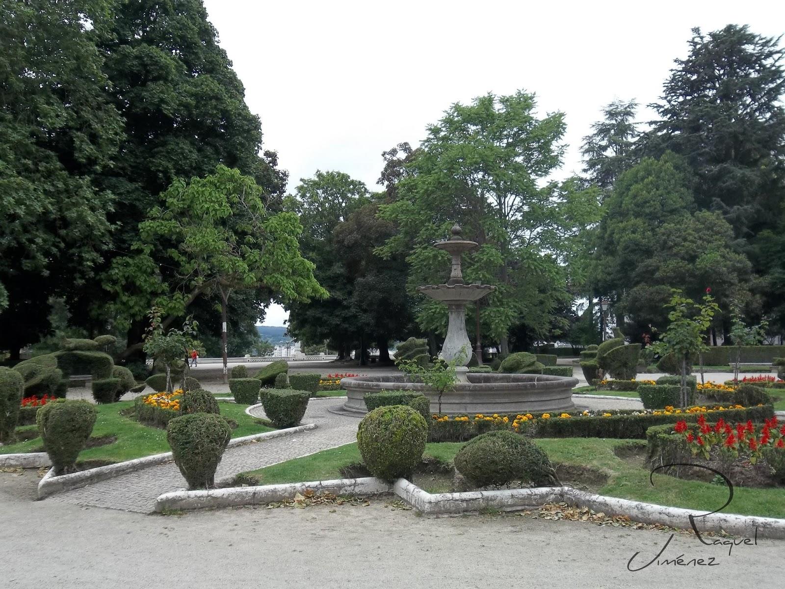Parque rosalia de Castro