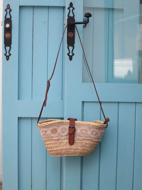 solamante beach bag and turquoise door