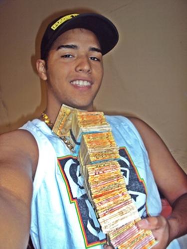 Sucesso da vez! Aos 14 anos, MC Gui fatura até R$ 120 mil