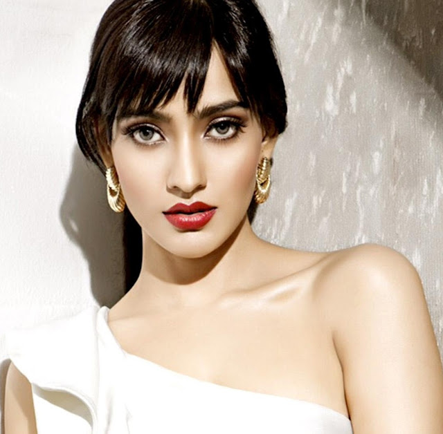 Neha Sharma HD Wallpaper