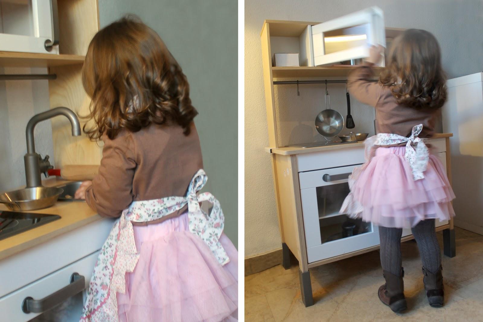 Nina designs parties la cocina de daniela daniela 39 s for Cocinitas de juguete segunda mano