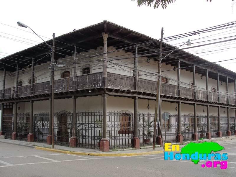 antiguo-edificio-hoy-museo-municipal