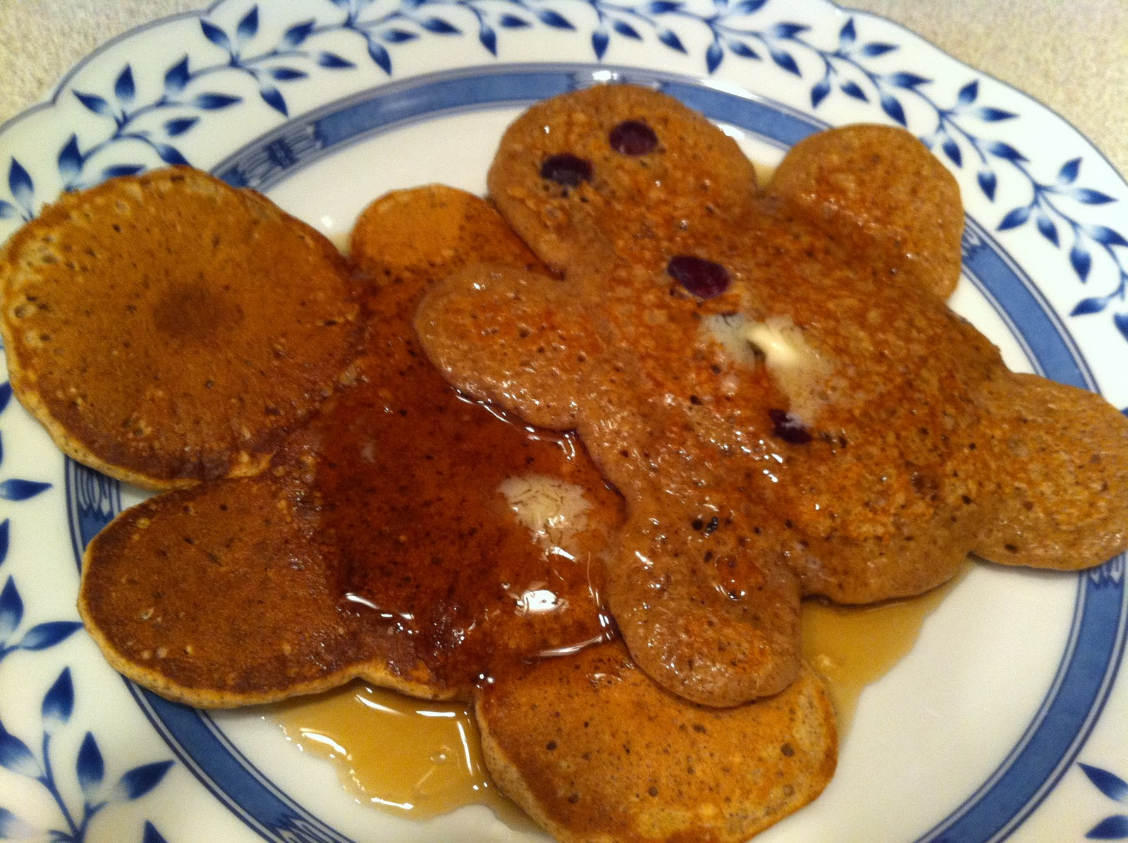 Food We Make: Gingerbread Man Pancakes