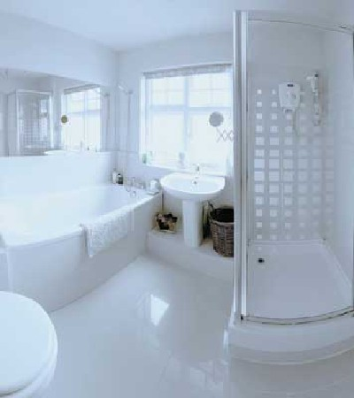 Home decoration ideas luxury small bathroom design for Small bathroom designs 2012
