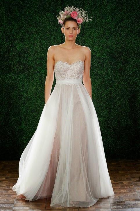 феерична булчинска рокля