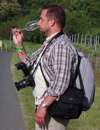 A kéz, amely a kamerát tartja, avagy a blog fotósa: Wawrzsák László