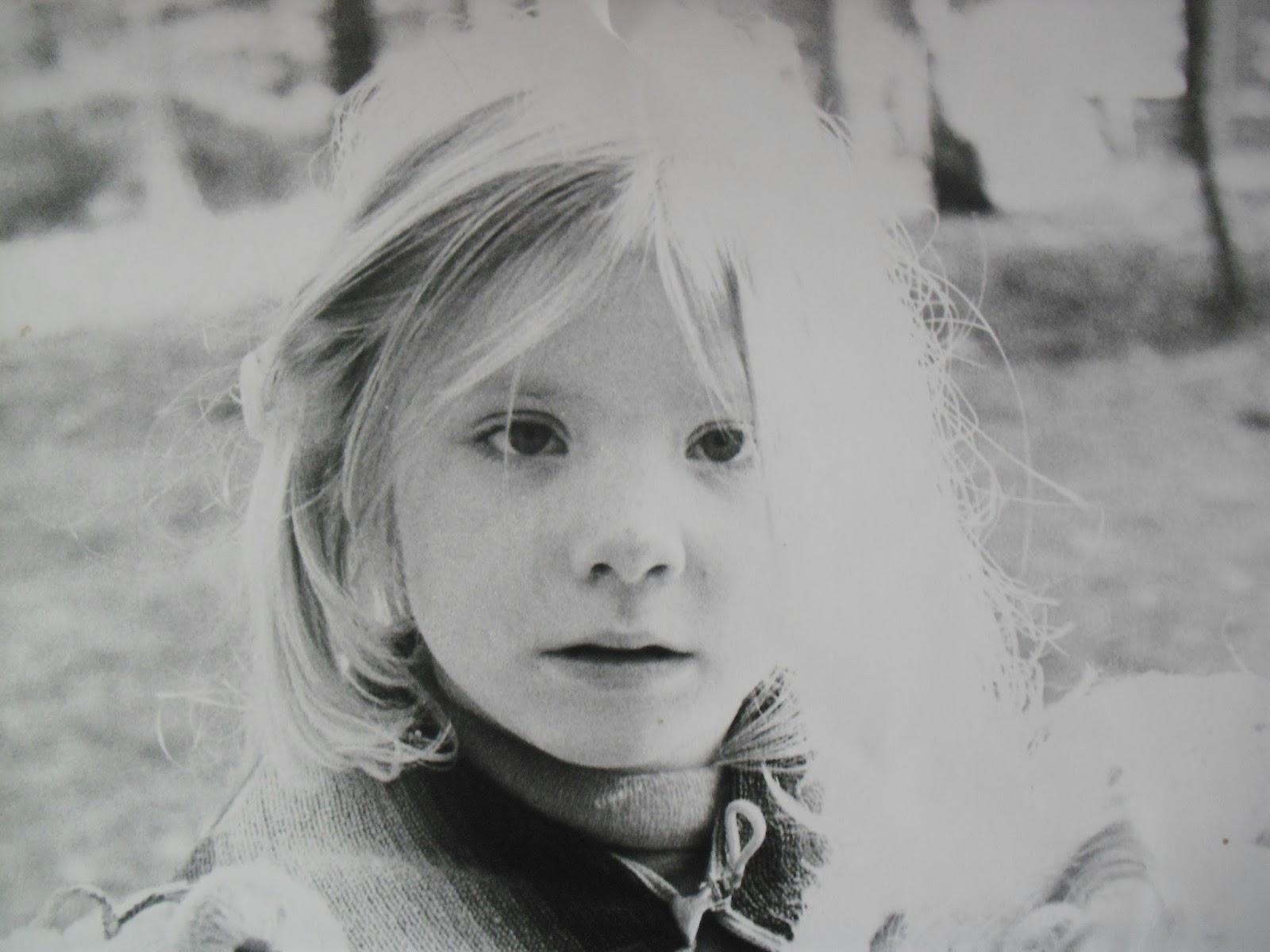 Suus geniet dit kleine meisje - Kleine teen indelingen meisje ...