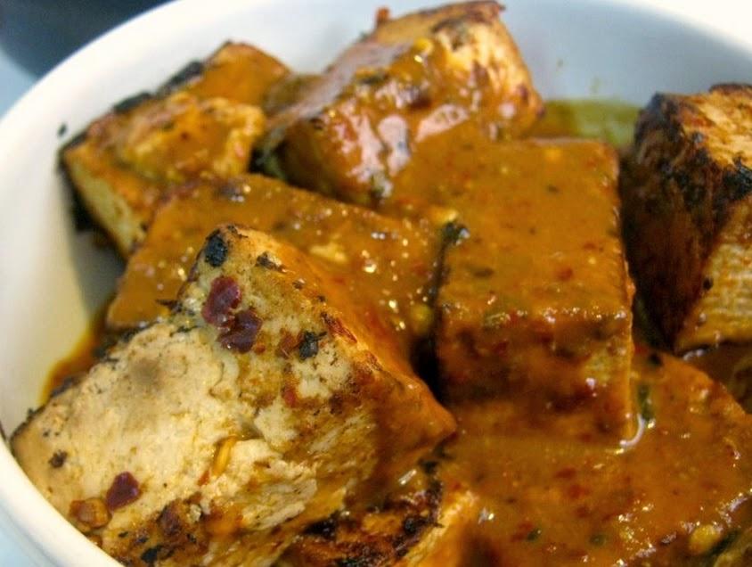 Tofu ao Molho Tailandês (vegana)