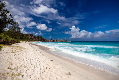 Strandpanorama der Grand Anse auf La Digue