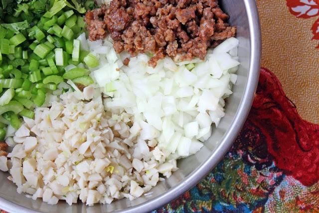 Thanksgiving Recipe, sausage stuffing recipe, stuffing recipe, stuffing with sausage